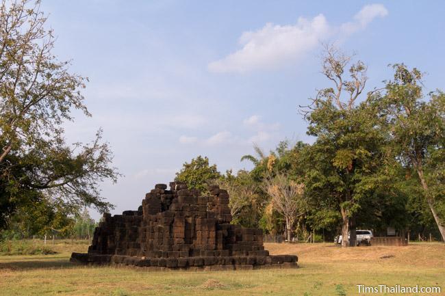 back of Ku Ban Daeng Khmer ruin