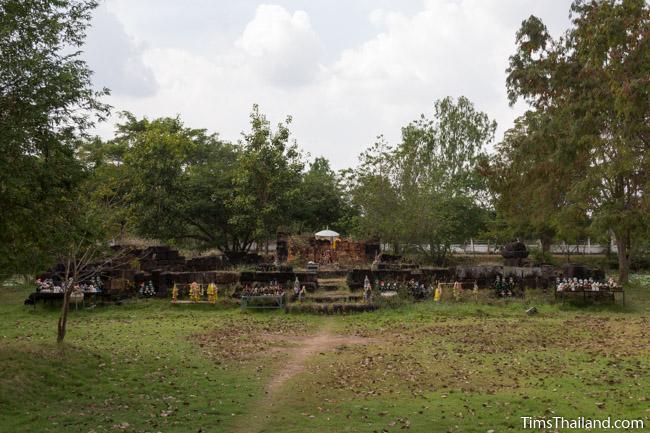 Ku Buamat Khmer ruin