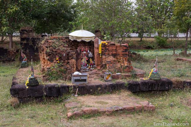 central tower of Ku Buamat Khmer ruin