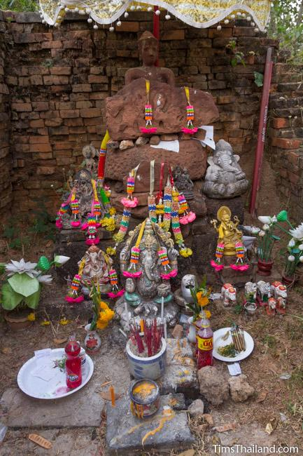 shrine in central tower of Ku Buamat Khmer ruin