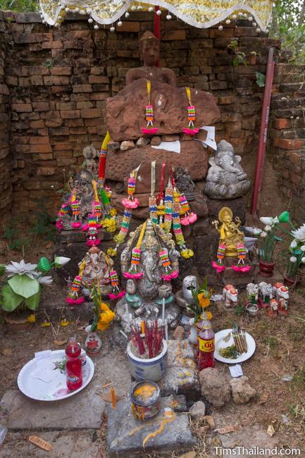 shrine in central tower of Ku Buamat Khmer ruin