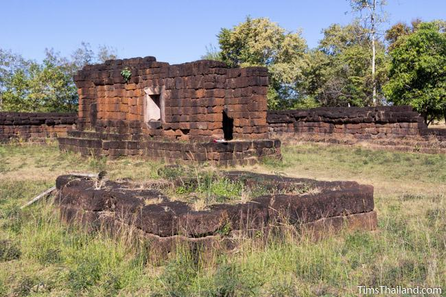 central sanctuary and library of Ku Phanna Khmer ruin