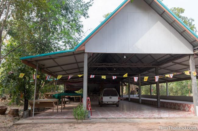 sala next to Ku Sampan Ka Khmer ruin