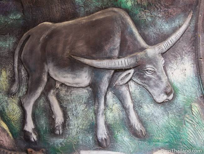 picture of buffalo on Wat Pho Nontan meditation hall