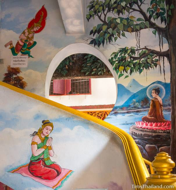 picture of Buddha preaching in heaven on Wat Pho Nontan meditation hall