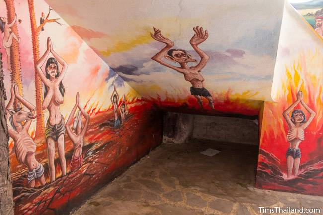 picture of hell on Wat Pho Nontan meditation hall