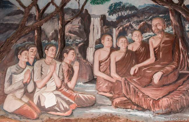 picture of people respecting a monk on Wat Pho Nontan meditation hall