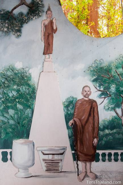 picture of monk next to stupa on Wat Pho Nontan meditation hall