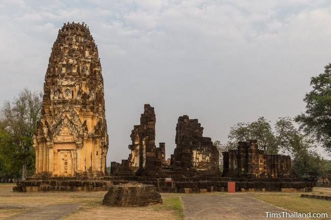 all three towers of Wat Phra Phai Luang Khmer ruin