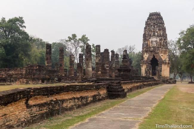 wihan and north tower at Wat Phra Phai Luang Khmer ruin