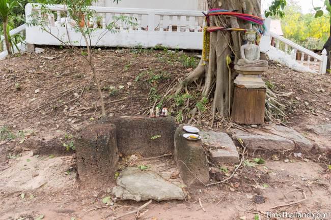 shrine at Non Thaen Phra Khmer ruin