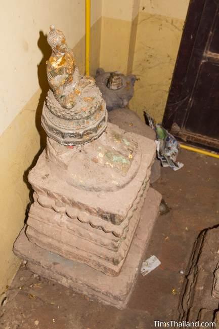 broken statue at Wat Boon