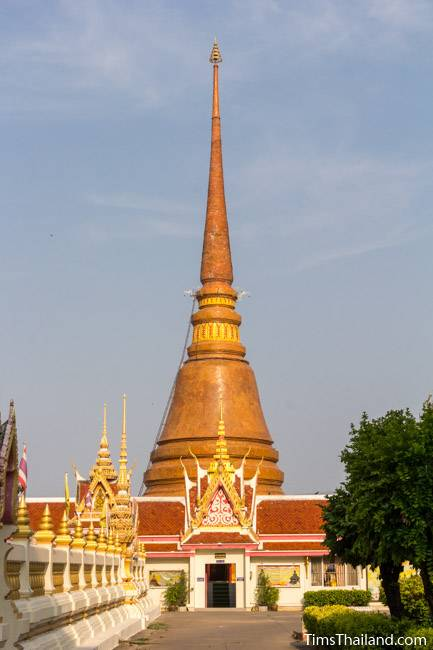 stupa at Wat That