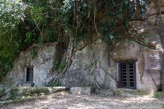 both Kao Kuha Caves