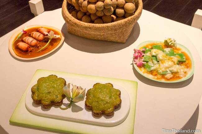 examples of ;local food in Narathiwat City Museum