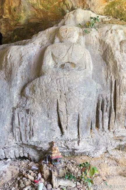 Buddha carving at Tham Sam cave