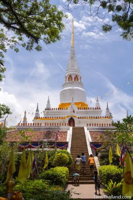 stupa at Wat Pho Ko