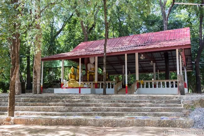 platform with Buddha shrine at Ku Kaew Chaiyaram Khmer ruin