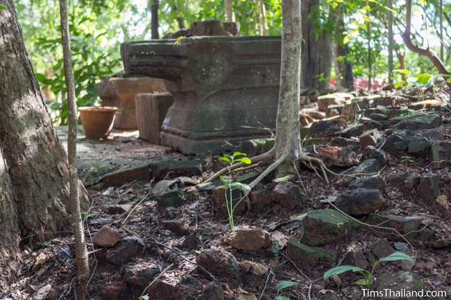 yoni at Ku Kaew Chaiyaram Khmer ruin