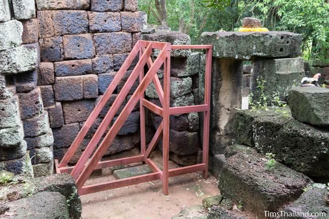 support holding up tower at Prang Sra Pleng Khmer ruin