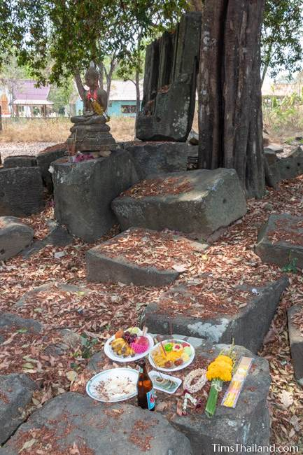 food offered to the Buddha shrine