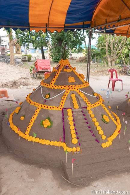 finished sand stupa
