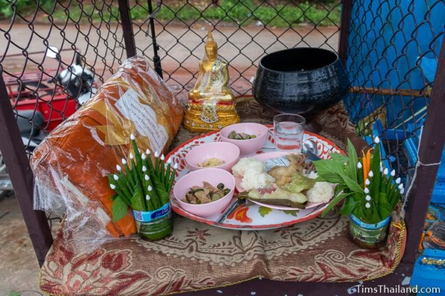 food, monk robe, bai sii, and Buddha statue