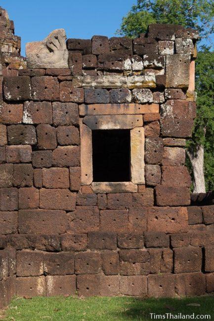 window and nagas on gopura