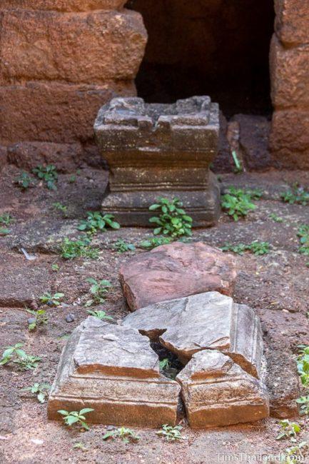 pedestals in gopura