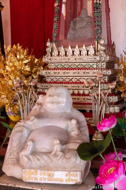 Buddai statue