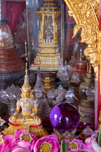 glass cases inside Buddha relic chamber
