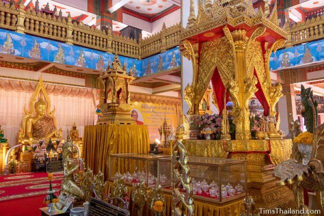 Buddha relic chamber and a Buddha image