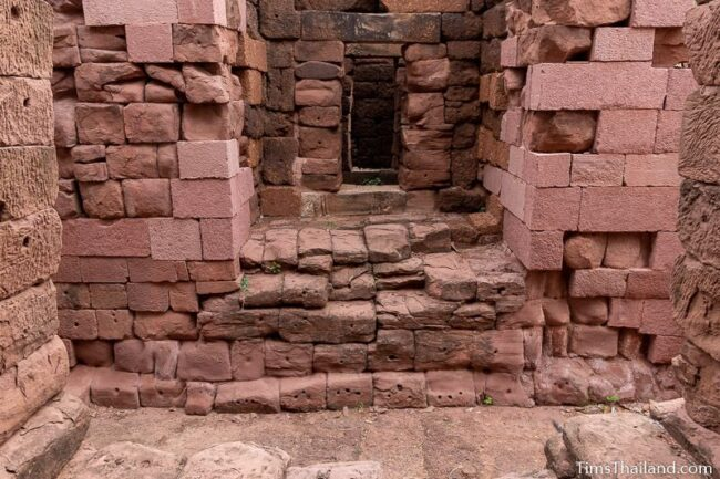 chambers of southern gate